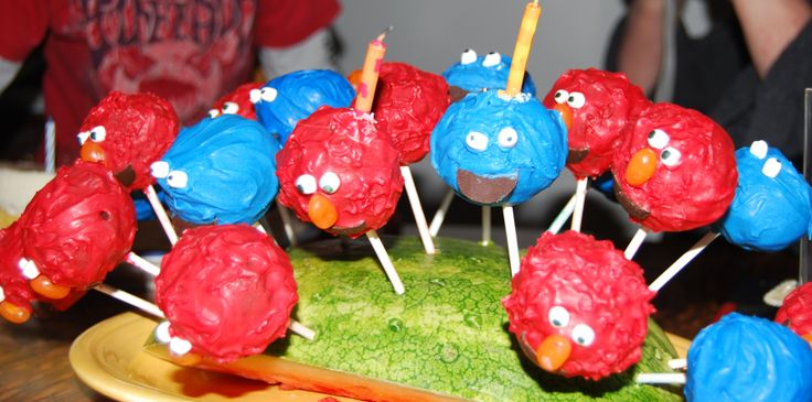 Elmo & Cookie monster cake pops