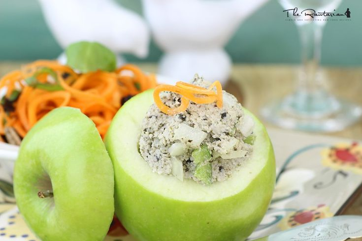 Try this raw tuna pate recipe for a quick lunch. It's an excellent option on top of a salad, stuffed inside an apple or made into collard wraps. A food processor is required for this recipe.