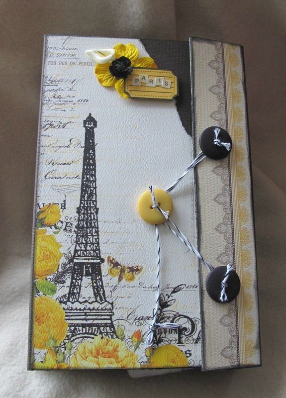 scrapbooking idea for mini album ♥ found on chantalscrap.canalblog.com - Wendy Schultz ~ Mini Albums.