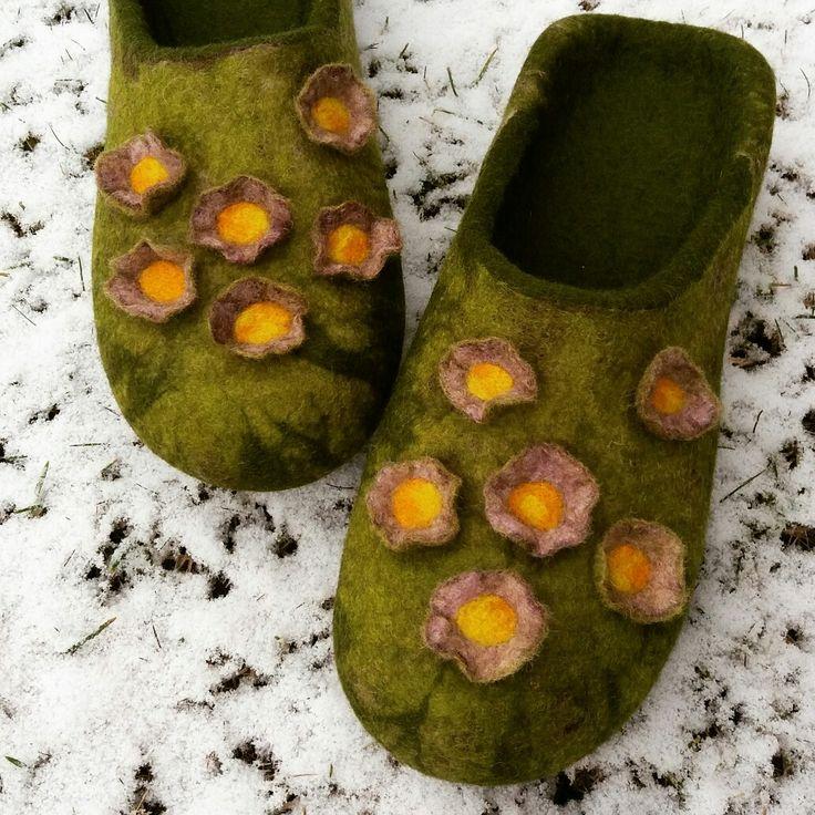 wet felted slippers MĀRPUĶĪTES www.pamana.lv