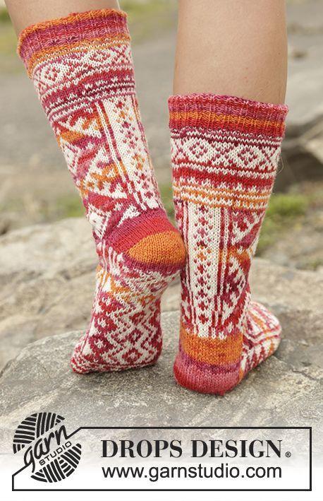 Mexican Sunset / DROPS 170-11 - Stickade DROPS sockor i Fabel med nordiskt mönster, stickade från tån och upp. Stl 35 - 43