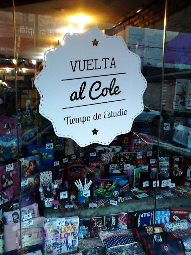 """Gráfica para Vidriera:  """" Vuelta al Cole"""" para Librería 10 - Morón. Febrero de 2015"""