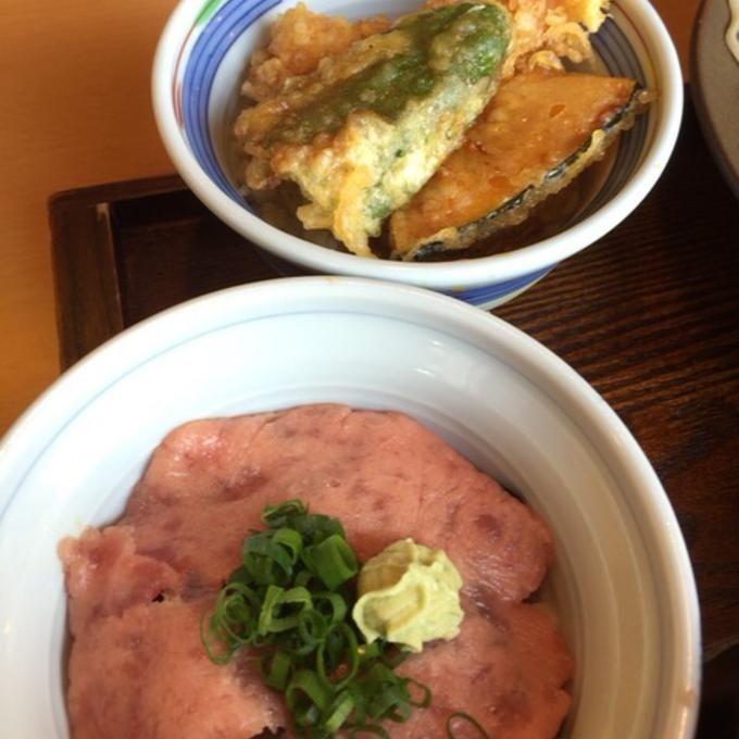 ミニミニ丼2杯 @ 大山 そば店