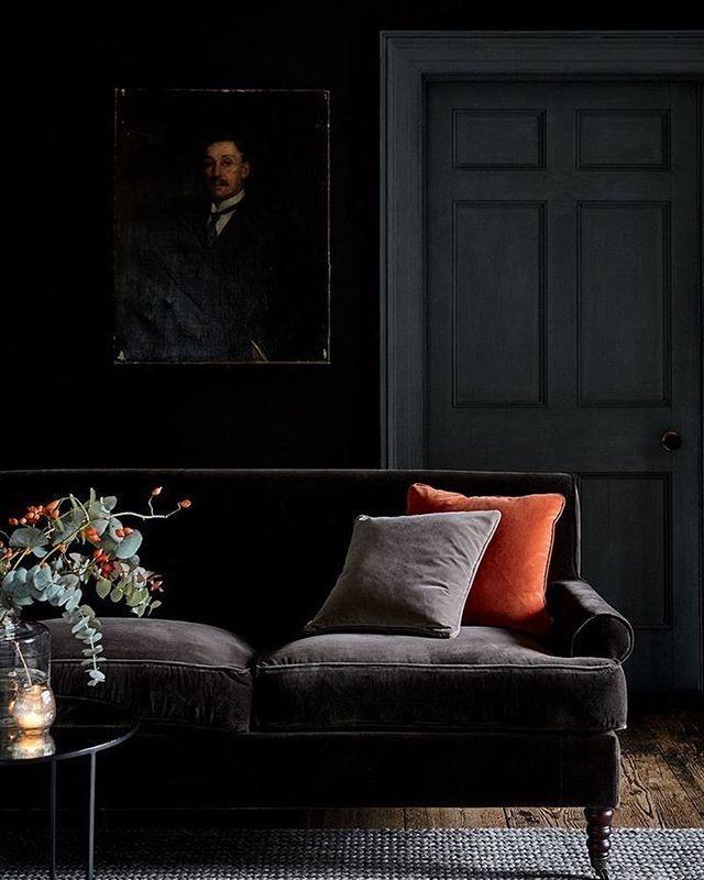 Documenting Inspiration Black Design Inspiration Interiordesign Decorating Blackinteriors H In 2020 Velvet Sofa Living Room Dark Living Rooms Velvet Living Room