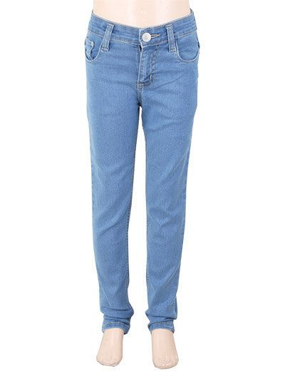 Boys jeans looks really cool and it gives your boy comfort and relax for the whole day. Product code - G3-BJE0233 Price - INR 592/-