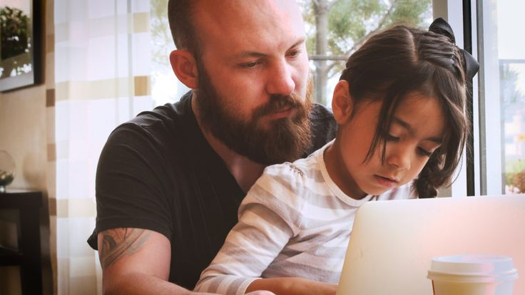 How to End Screen Time Without A Struggle via @helloparentco