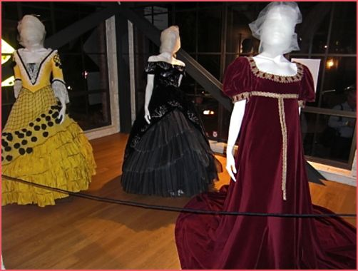 Google Image Result for http://www.sanfranciscosentinel.com/wp-content/uploads/2010/09/gown-tosca.jpg