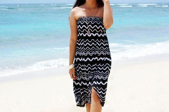 バリ島発のリゾートファッションブランドBlue Waters2015年の新作です!ひらひらと揺れるシルエットがとっても可愛い波プリントチューブトップドレス♪大...|ハンドメイド、手作り、手仕事品の通販・販売・購入ならCreema。