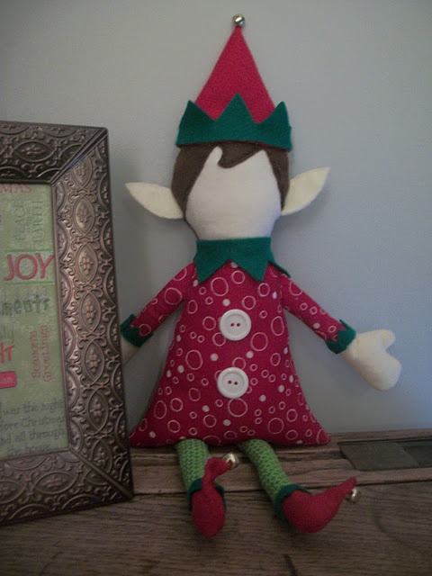 How to make your own super cute elf on the shelf (with template)