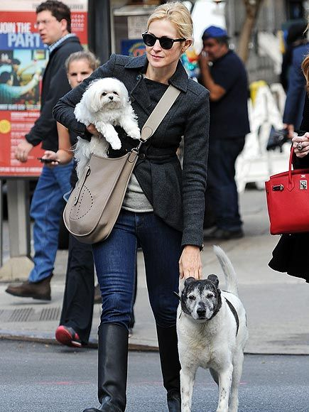 Kelly Rutherford with dogs