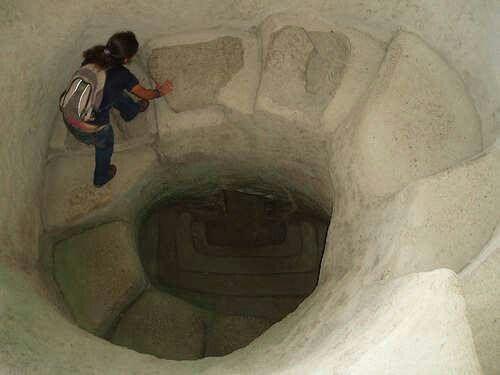 Escalera espiral, tierradentro, Colombia, construccion descknocida.