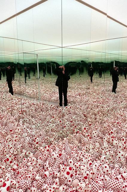 Yayoi Kusama - Infinity Mirror Room - Phalli's Field (Floor Show), 1965 (1998) by de_buurman, via Flickr