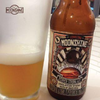 #Moonshine es una experiencia diferente. #piensaindependiente #tomaartesanal #cervezabogotana #cervezasmoonshine #cervezacolombiana #craftbeer #bogota