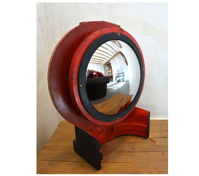 #Espejo #convexo  de #AlejandrodelaTorre de 30 cm. Ø, realizado con molde industrial de madera. 55x42x15 cm.  #convex #mirror #mirall #diseño #design #disseny #barcelona