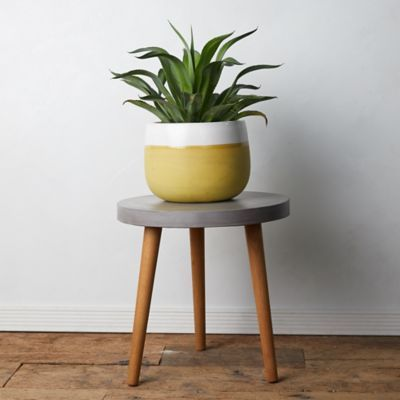 Outdoor Accent Tables | Coffee Tables, End Tables, Stools, Consoles + Plant Stands - Terrain