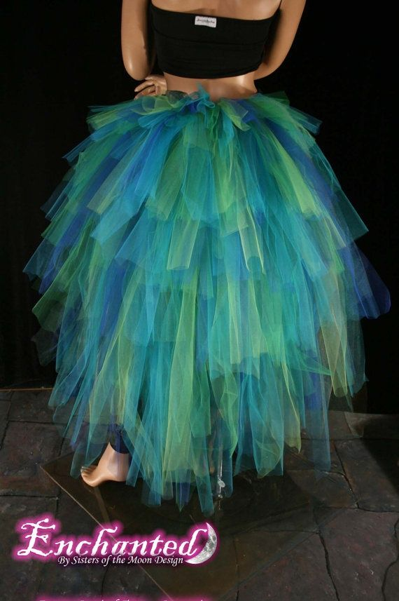 peacock costume idea - great for a low budget DIY costume!!! OMG I am going to may be this to go to. A Halloween party!!! I love this!!!