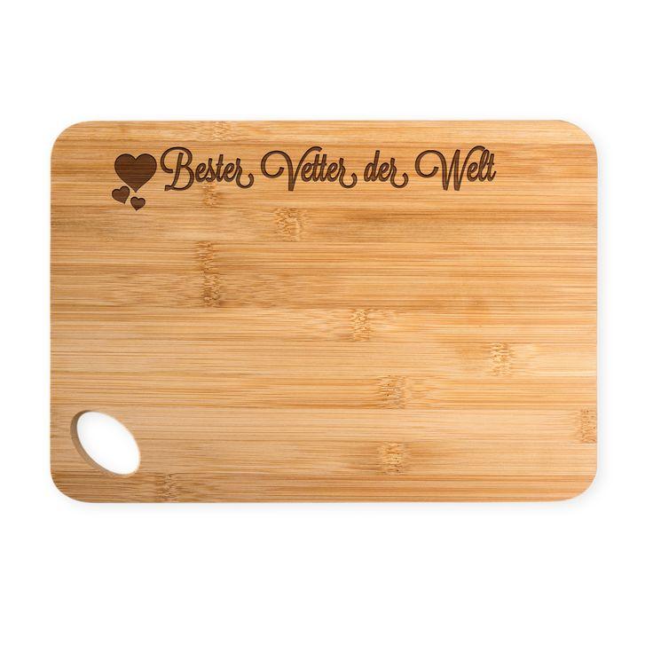 Bambus - Schneidebrett Herz Geschenk Bester Vetter der Welt aus Bambus   Natur - Das Original von Mr. & Mrs. Panda.  Ein wunderschönes Holz-Schneidebrett von Mr.&Mrs. Panda aus wunderschönem Bambusholz. Die Maße des Produktes sind 22 cm x 14 cm. Unten links befindet sich ein formschönes ovales Loch an dem das Brett getragen oder aufgehängt werden kann.    Über unser Motiv Herz Geschenk  Das Motiv Herz Geschenk ist ein besonders liebevolles und klassisches Motiv aus der Kollektion von Mr…
