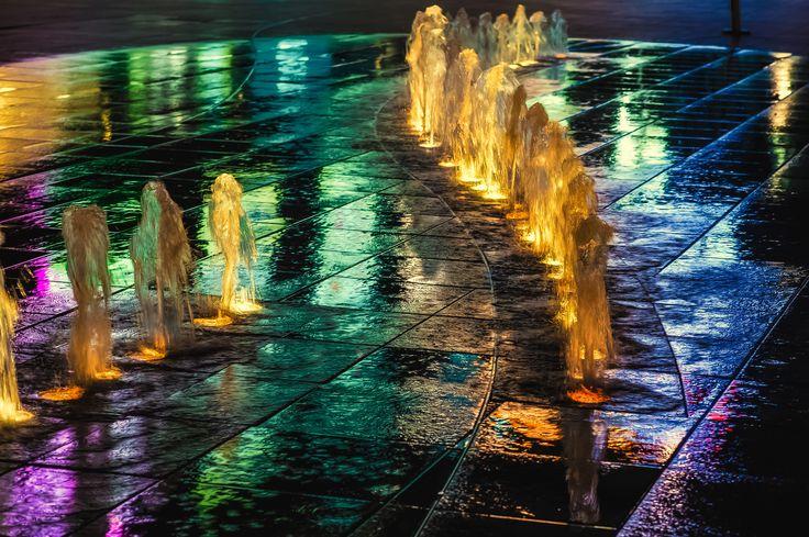 fountain, reflection