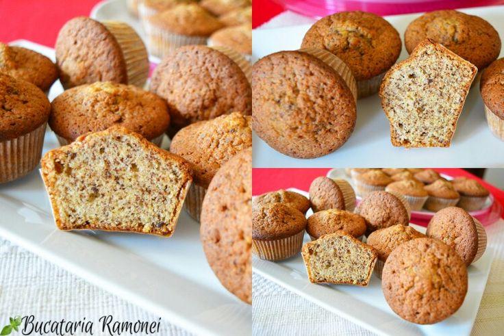 Cu ultimele portocale ale sezonului puteți pregăti câteva muffins folosind sucul dar și coajă de la aceste minunate fructe. Iată cum se fac: http://bucatariaramonei.com/recipe-items/muffins-cu-portocale-si-ciocolata #reteta #prajitura #fructe #muffins #briose #cupcakes #portocale