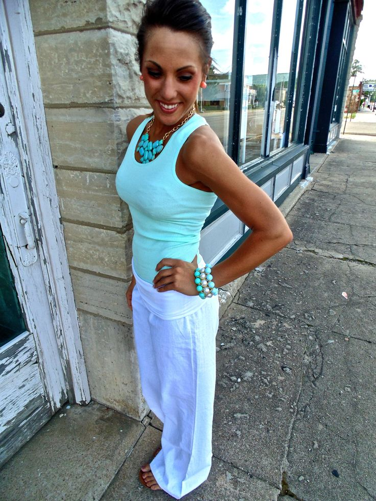 White Linen Pants and Teal Accessories. Beach comes to mind with these colors. Minty and divine. Check out Jewelmint for more accessories:)