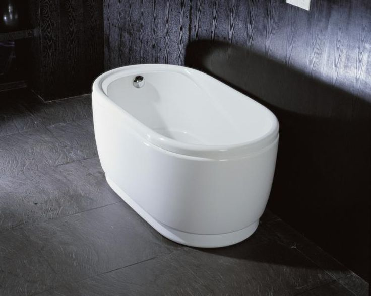 31 best images about bathtubs on pinterest walk in for Stand alone bathtubs modern