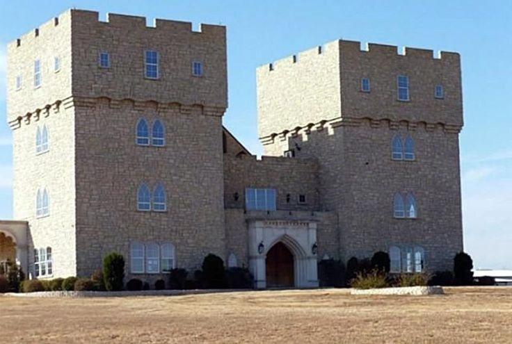 30 best ideas about castles in the us on pinterest for Houses that look like castles