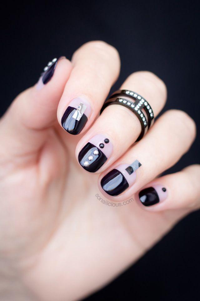 Edgy Black nails || Negative Space nails