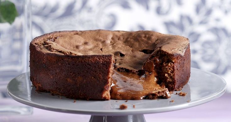 Recipe main 87150219 33493 cake ygro cake me sokolata   pralina fountoukiou