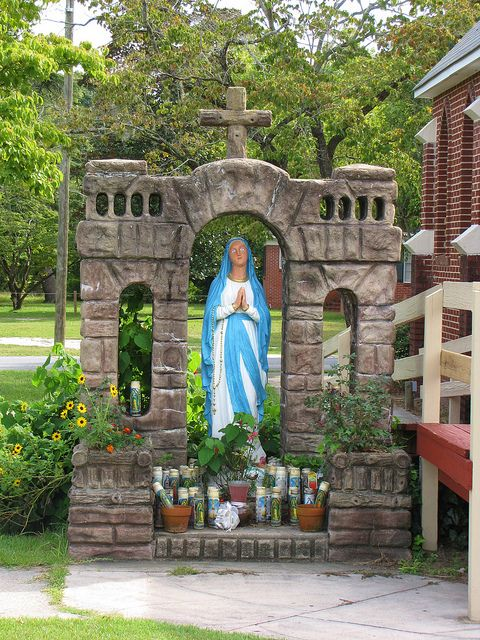 Mary Shrine - The shrine to Mary outside of Our Lady of the Snows in Elizabethtown, North Carolina in Bladen County.