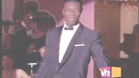 Vizionează filmul «Nat King Cole - When I Fall In Love» încărcat de Herbst Stefan pe Dailymotion.