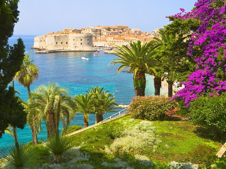 9 Night Completely Packaged Mediterranean Vacation http://www.unforgettable.cruises/packages/consumer_view/1565/from:packages/destination_id:7#utm_sguid=172107,c90876d1-4915-0fe7-d5da-cacada12ff16 Includes: Transfers from Venice Marco Polo Airport (VCE) to Hotel 2 Night Hotel Stay in Venice, Italy Transfers to Ship 7 Night RCCL Vision of the Seas Cruise