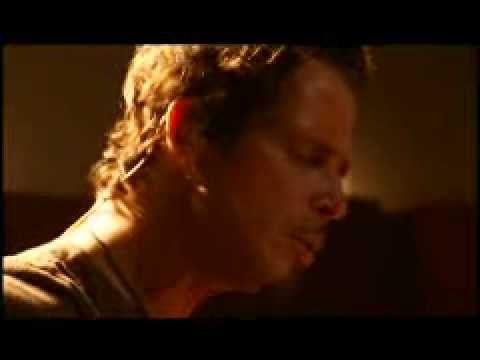 Black Hole Sun (acoustic version) - Chris Cornell