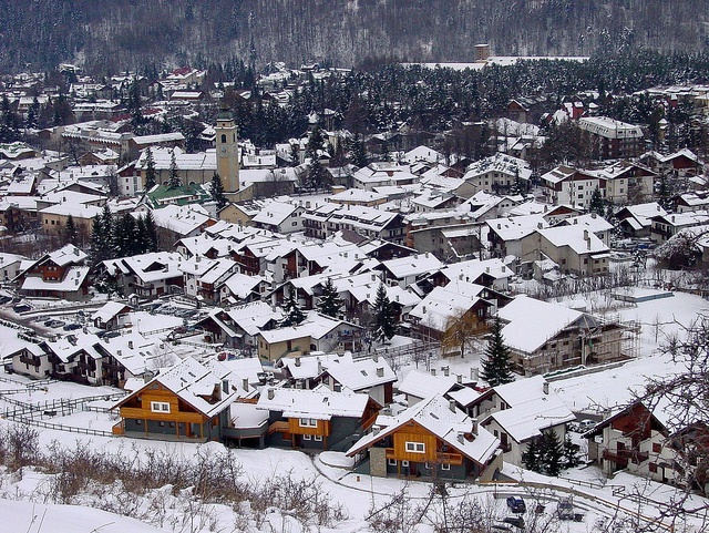 Bardonecchia panorama by Comune_Bardonecchia, via Flickr