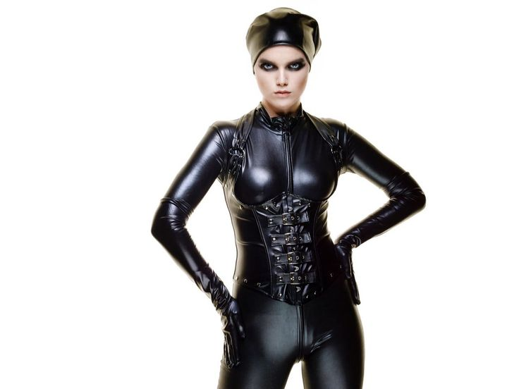 #latex #leather #corset #turban #jumpsuit #bustier #cyborggirl #future #glossysmokeyeyes #pilotcap #nudelipstick #flawlessskin #mattskin #noblush #paleskin #makeupartist #memoschmage  #reinhardscheuregger #gorgeous #model #berlin #blackandwhite #styling #dark #fashionista #makeup #urbandecay #kryolan #fashion #skinncosmetics #nudelipstick #giorgioarmani #lumonoussilk #toucheeclat #yslbeauty #mode