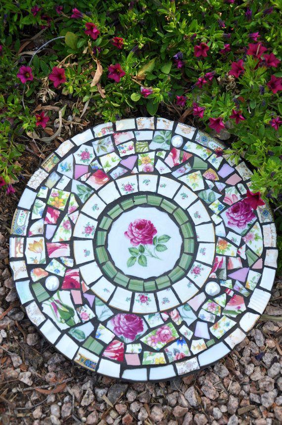 Best 25 Round Stepping Stones Ideas On Pinterest