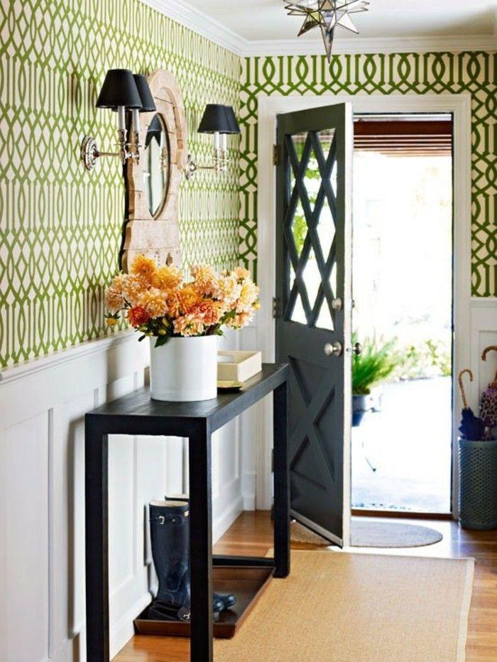 tapeten für den flur grüne linien gerundet tisch und vase