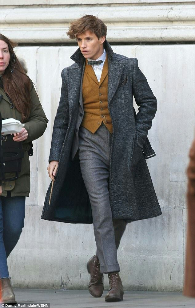 Eddie Redmayne - Fantastic Beasts The Crimes of Grindelwald set on November 19, 2017