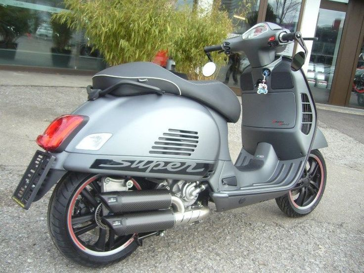 best 25 vespa gts ideas on pinterest vespa 300 vespa. Black Bedroom Furniture Sets. Home Design Ideas