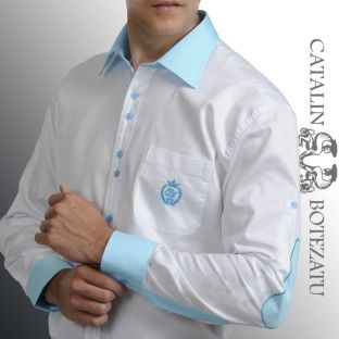 O cămaşă smart casual potrivită pentru o ţinută de vară, foarte fashion. Cămaşa este albă, slim, având manşeta, gulerul şi broderia în contrast pe culori de trend: mov şi turcoaz, iar nasturii sunt dispuşi doi cate doi tot in contrast. Mâneca e prevazută cu o lentă pentru a facilita purtarea cămăşii în varianta cu mânecă scurtă.