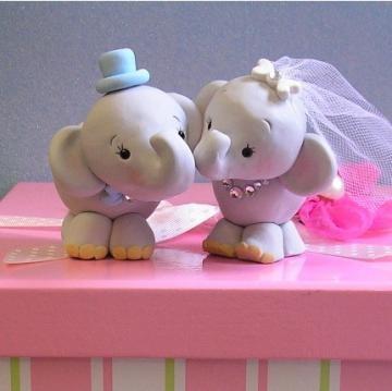Oh so cute - Sweet Elephant Wedding Cake Topper