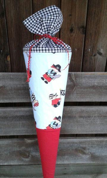 Schultüten - Piraten Stoffschultüte mit Namen - später Kissen - ein Designerstück von pueppiskinderstube bei DaWanda