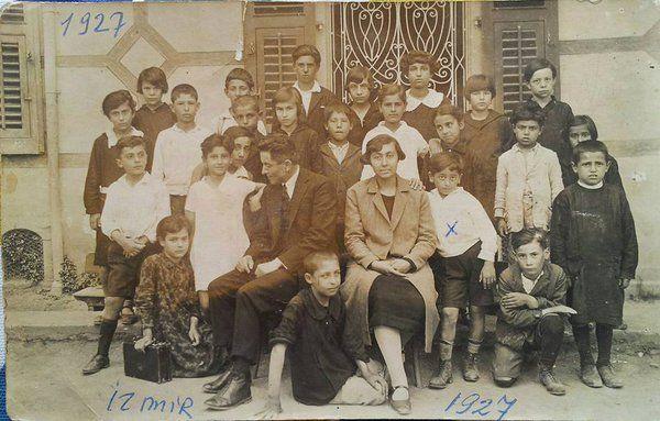 İzmir'de bir ilkokul, 1927 yılı.