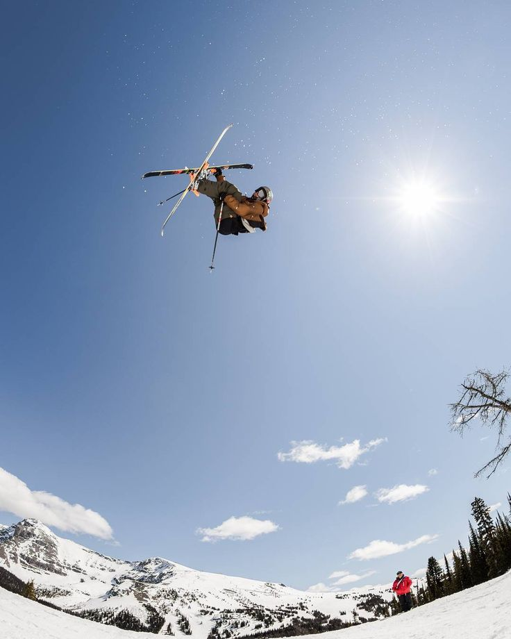 I can't wait do more shoots like this. I spent the day @sunshinevillage last spring with @brentcallow_403media and @403media and a crew of top notch athletes. #skiing #sunshinevillage #hangtime #ExploreAlberta #Rockies #skibanff #CanadianCreatives #snowseekers #spreadstoke @skimagazine @powdermagazine @snowseekers @spreadstoke