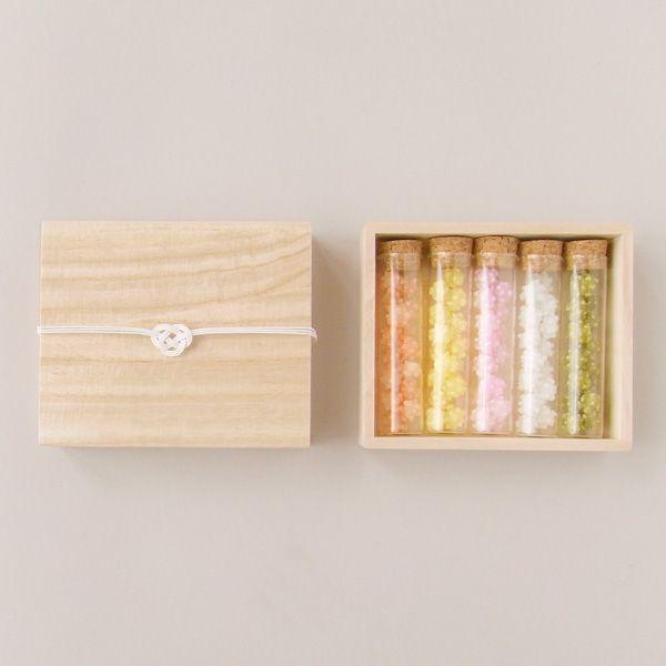 Japanese candies 粋更 : 瓶入り金平糖