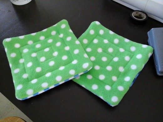 Quilted guinea pig pee pads