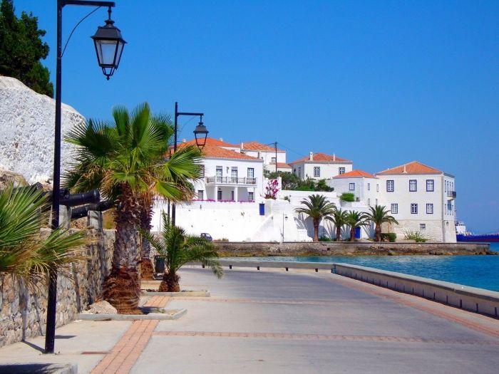 Agios Nikolaos in Spetses island