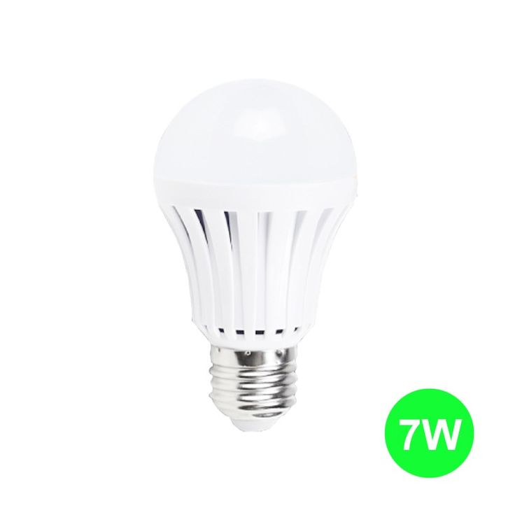 In-Lite Lampu LED Bohlam 7 Watt - Lampu Emergensi.  - Able to light up to 2-4 hours without electricity. - Voltage : 165V - 265V - Color : Cool Daylight - Base : E27 - Emergency Light : Yes - Dimmable : Non Dimmable - Life Span : Long Life up to 30.000 hours - Harga untuk 1 Lampu.  http://in-lite.id/led-bulb/217-in-lite-lampu-led-bohlam-7-watt-lampu-emergensi.html  #inlite #lampuled #bohlam #lampuhematenergi