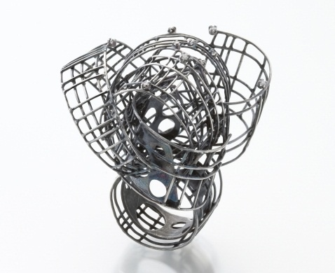 Sculptural Cage Ring - contemporary jewellery design // Jee Hye Kwon