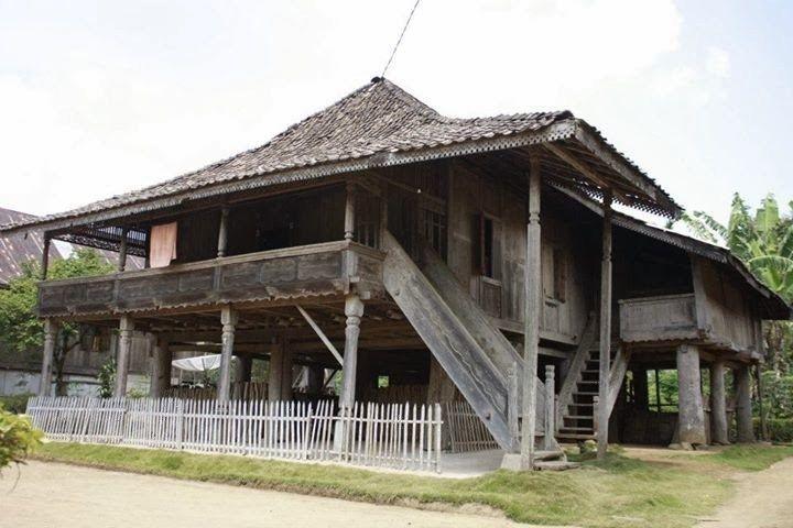 Gambar Rumah Adat Lampung Carak Us Rumah Arsitektur Membangun Rumah