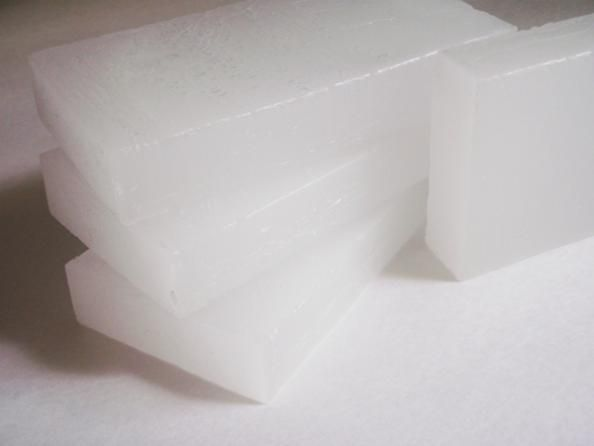 5 Handy Uses for Paraffin Wax- http://thefansbeenhit.com/5-handy-uses-for-paraffin-wax/ #wax  #Paraffin